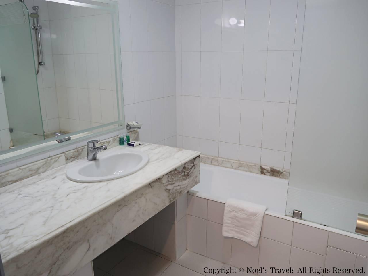 ホテル「Idou Anfa」のバスルーム