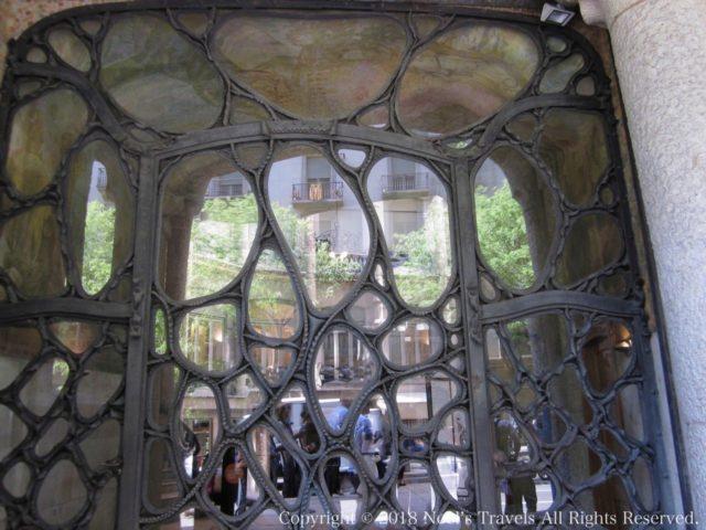 カサ・ミラの窓枠