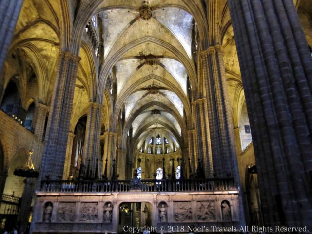 バルセロナのカテドラル「サンタ・エウラリア大聖堂」の内部