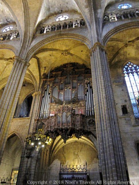 バルセロナのカテドラル「サンタ・エウラリア大聖堂」のパイプオルガン