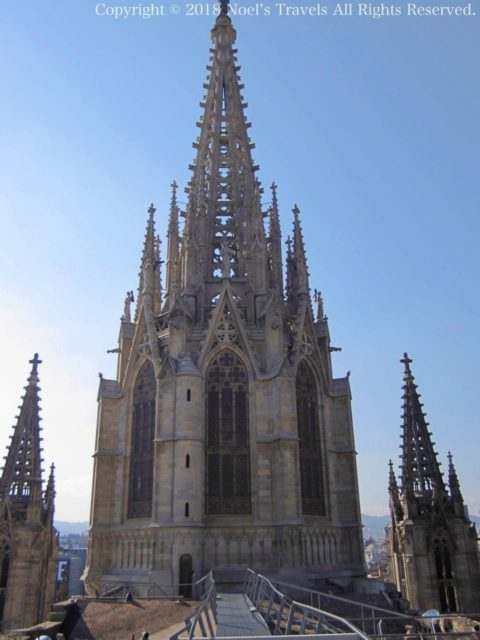 バルセロナのカテドラル「サンタ・エウラリア大聖堂」の屋上