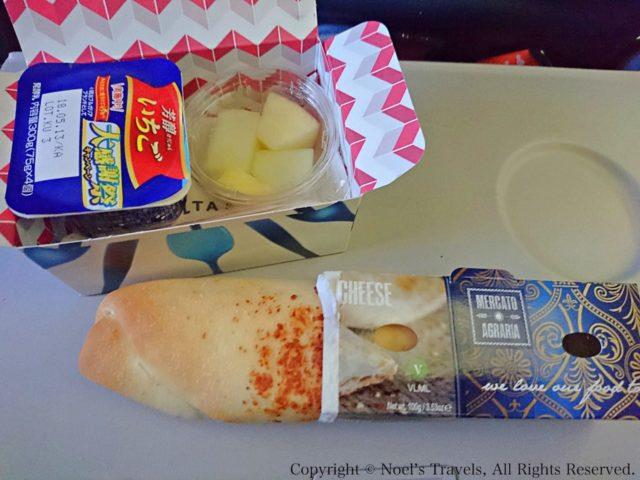 デルタ航空機内の軽食