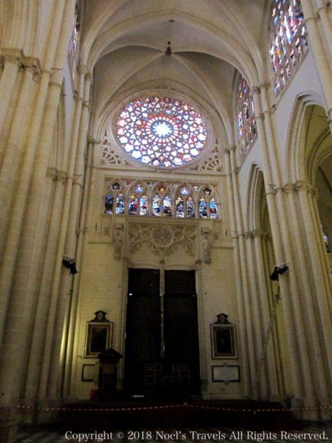 トレド大聖堂のバラの窓