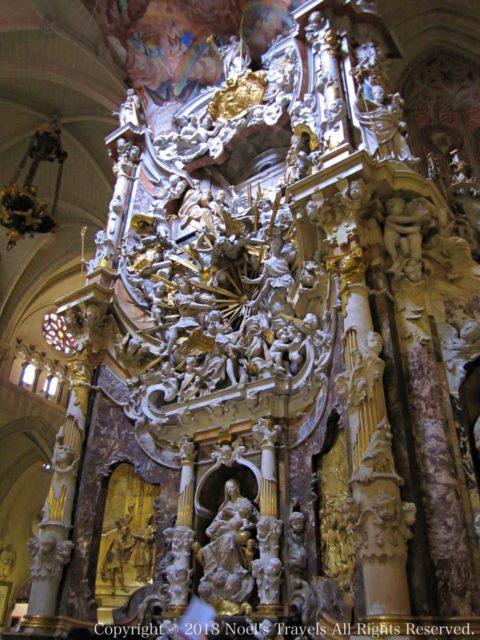 トレド大聖堂のトランスパレンテ