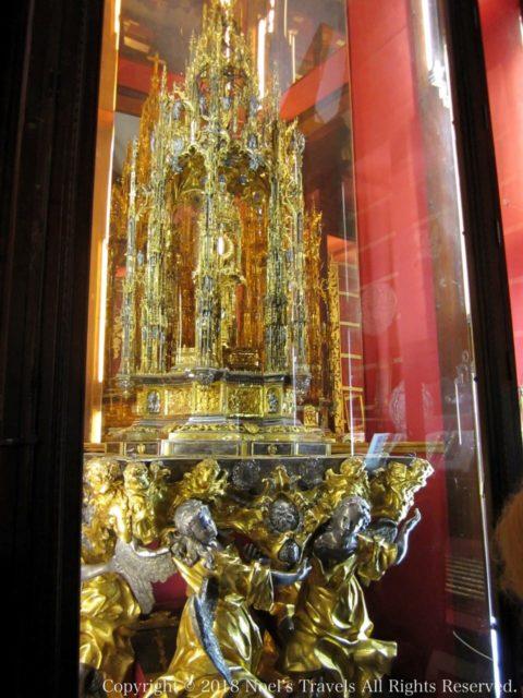 トレド大聖堂の聖体顕示台