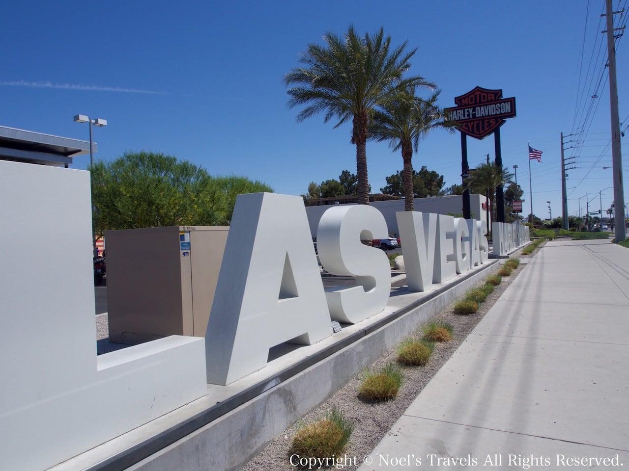 ラスベガスのハーレー・ダビッドソン前のサイン