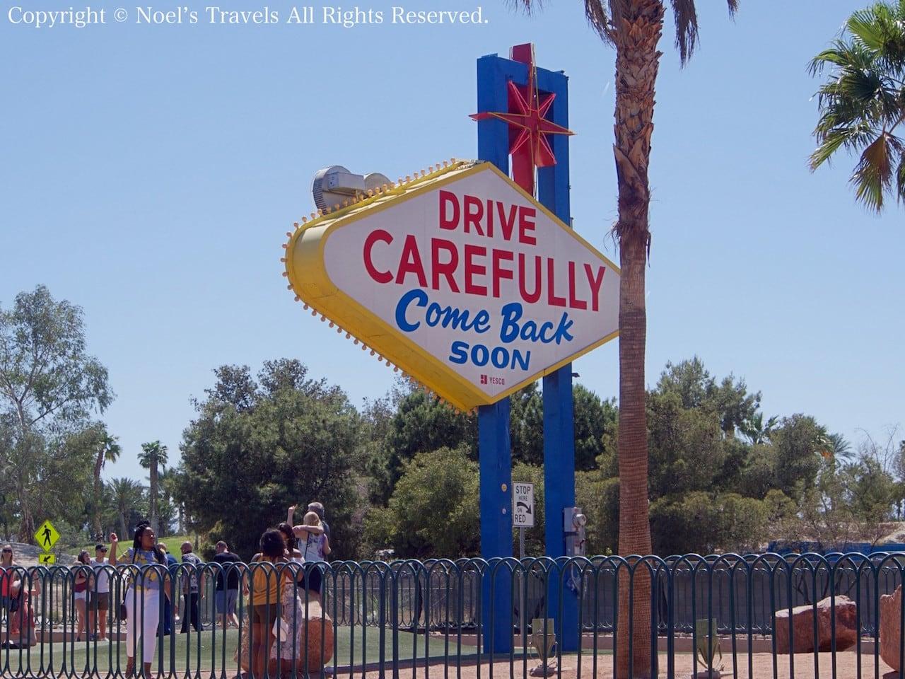ラスベガス・サインの裏側