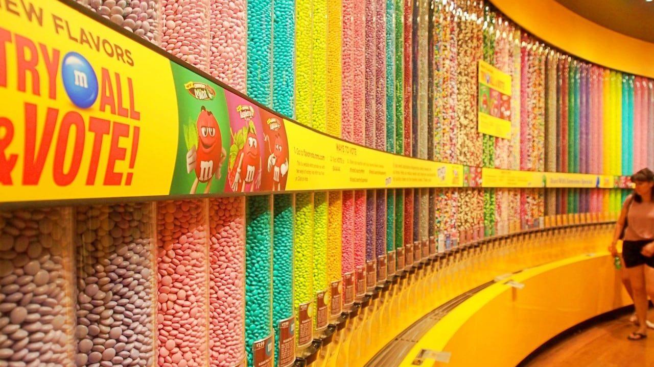 m&m'sワールドのチョコの壁