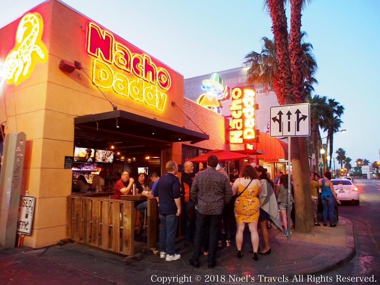フリーモント・ストリートのレストラン「ナチョ・ダディ」