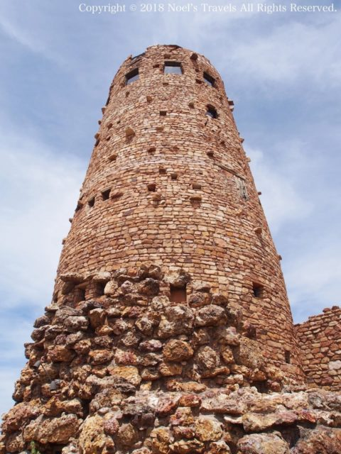 グランドキャニオンのデザートビューポイントにあるウォッチタワー