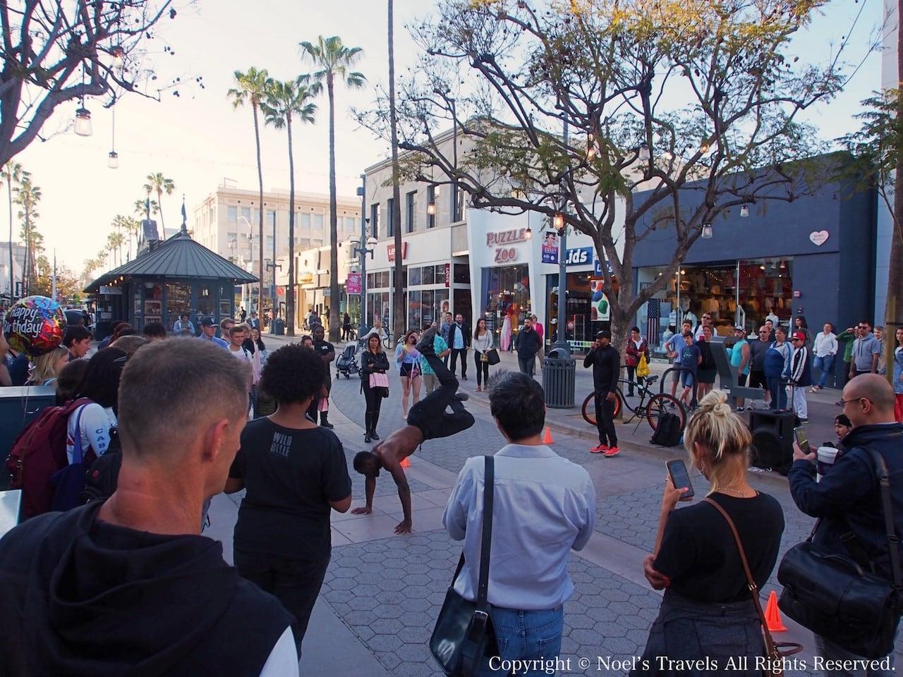 サンタモニカのストリートパフォーマンス