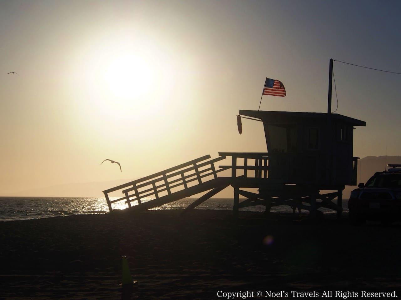 サンタモニカビーチにあるライフガードの見張り小屋