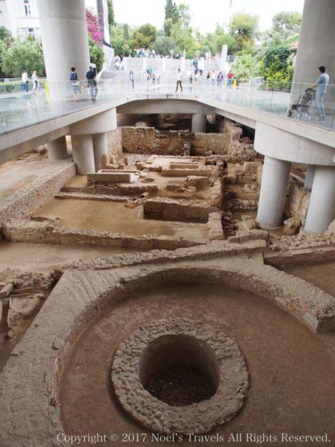 アクロポリス博物館前の遺跡発掘現場