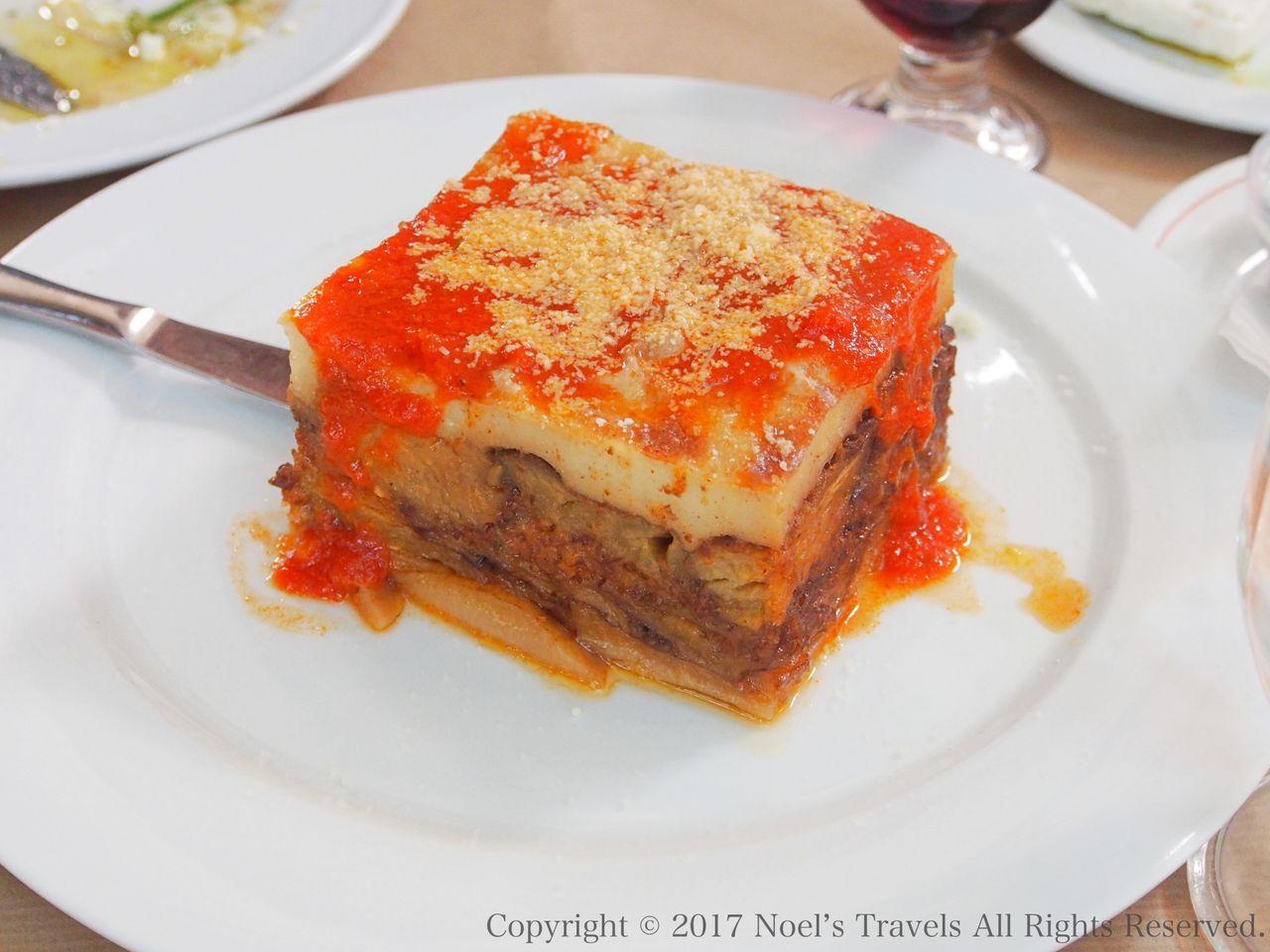 ギリシャ料理のプラカ