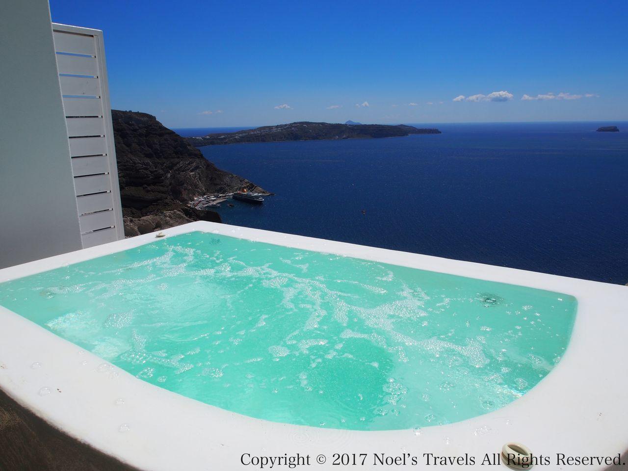 サントリーニ島のホテル アズーロ・スイーツのお風呂