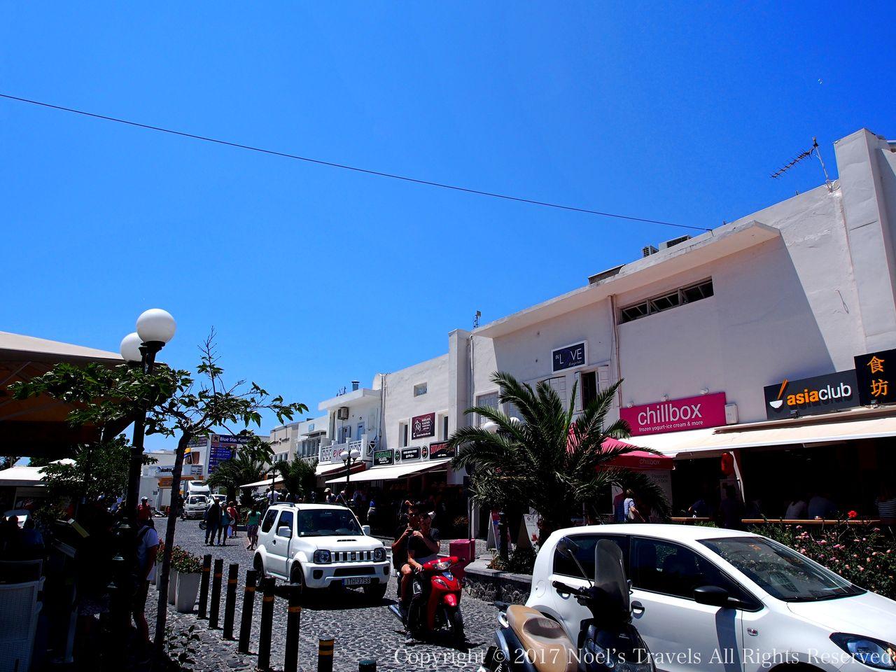 サントリーニ島のフィラの街