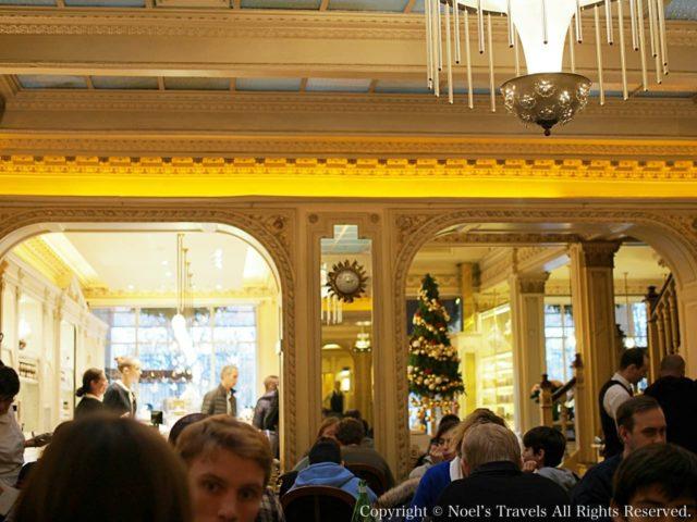 パリのスイーツ店「アンジェリーナ」