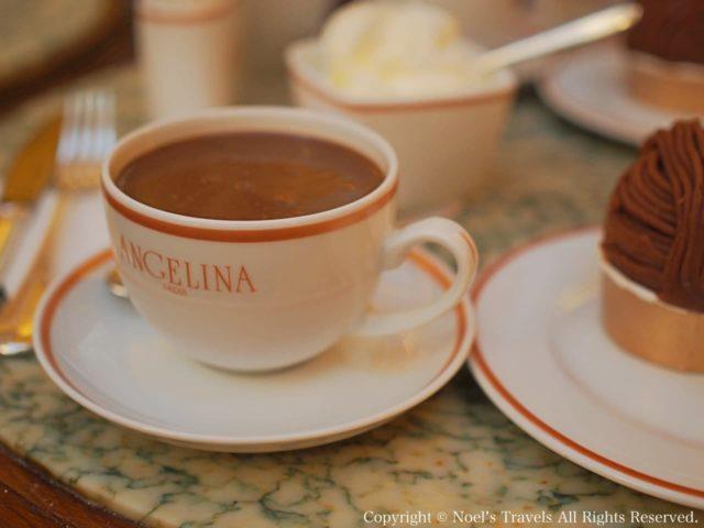 アンジェリーナのホットチョコレートとモンブラン