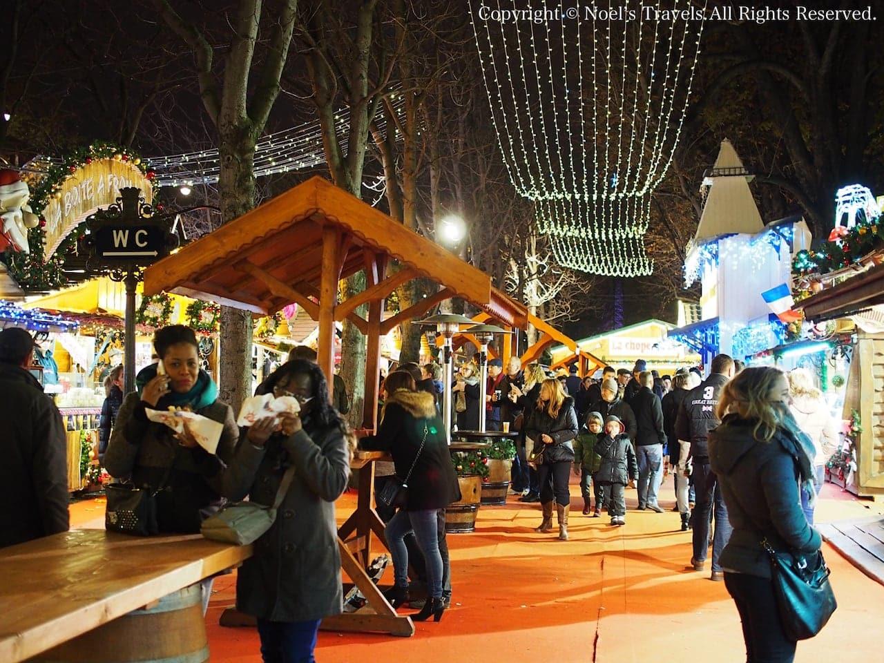 シャンゼリゼ通りのクリスマスマーケット