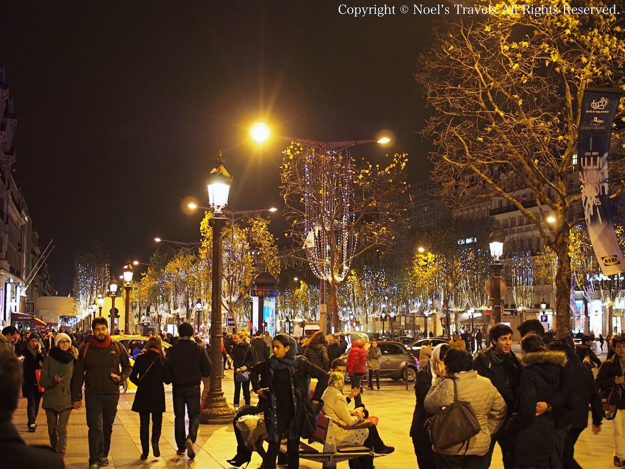 パリのシャンゼリゼ通り