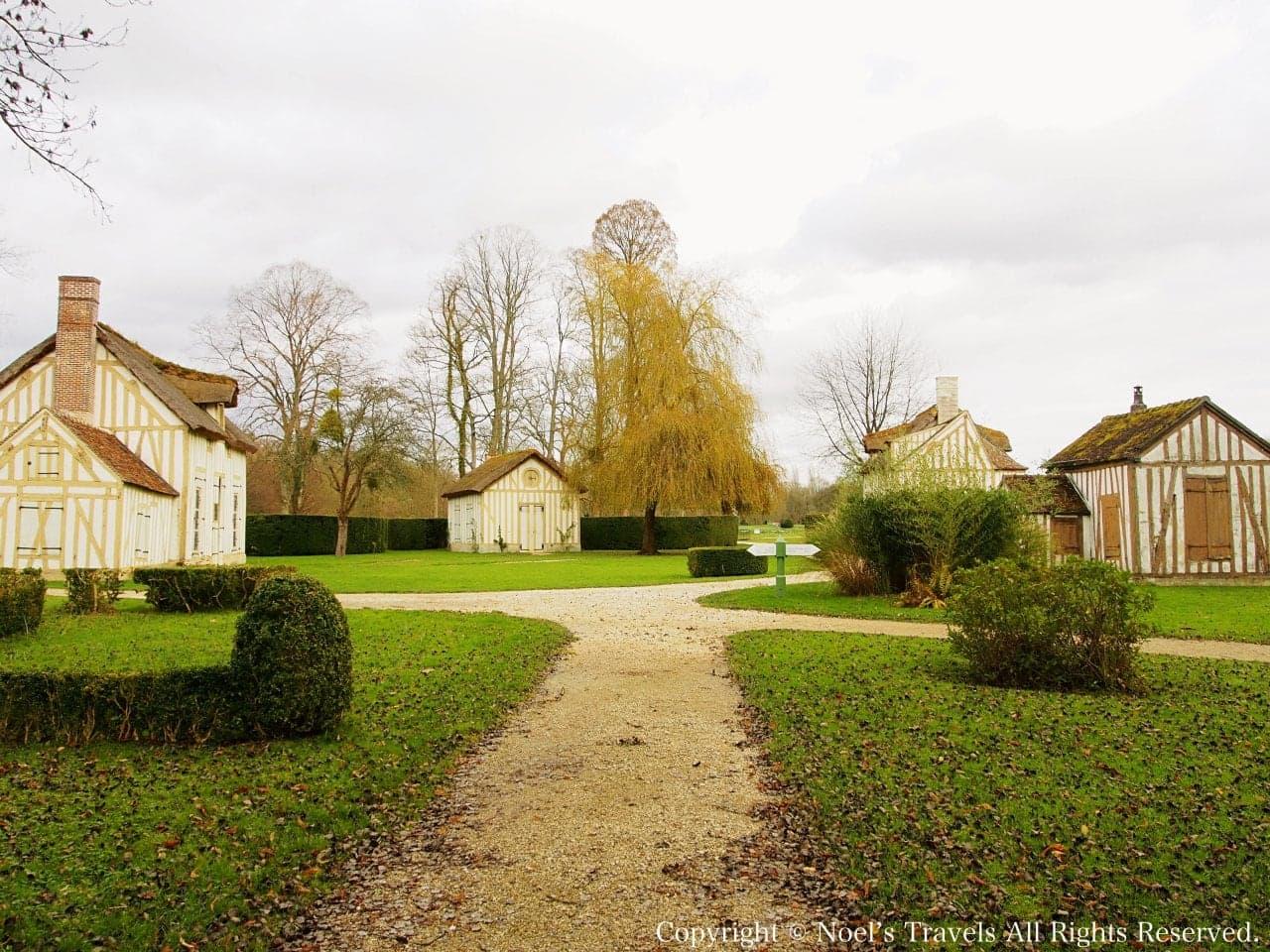 シャンティイ城の庭園にある集落
