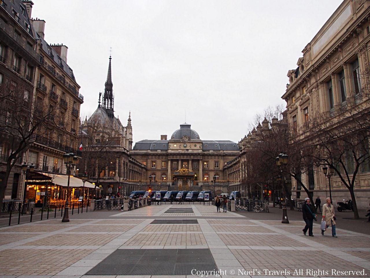 パリのリュテス通り