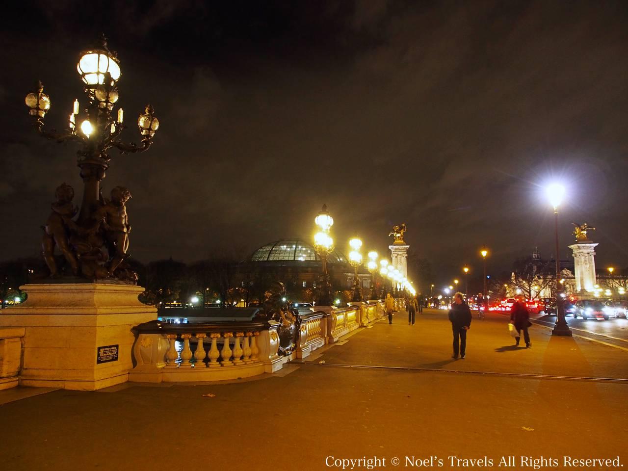 アレクサンドル3世橋の夜景