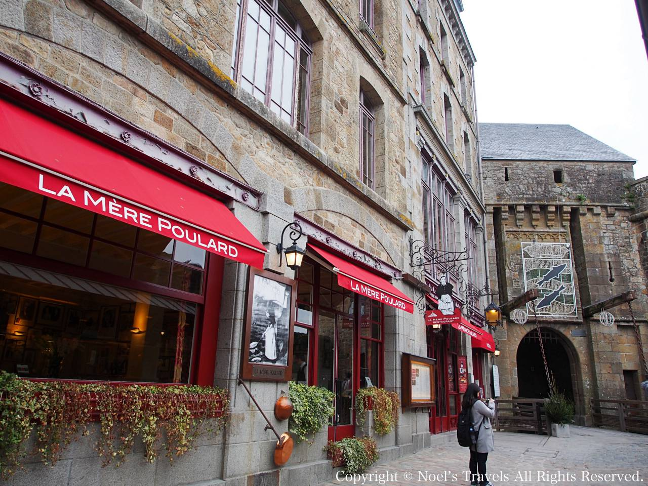 モンサンミッシェル名物のオムレツが有名なレストラン「ラ・メール・プラール」