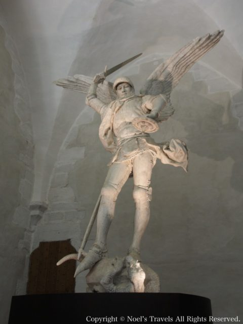 モンサンミッシェルの大天使ミカエルの像