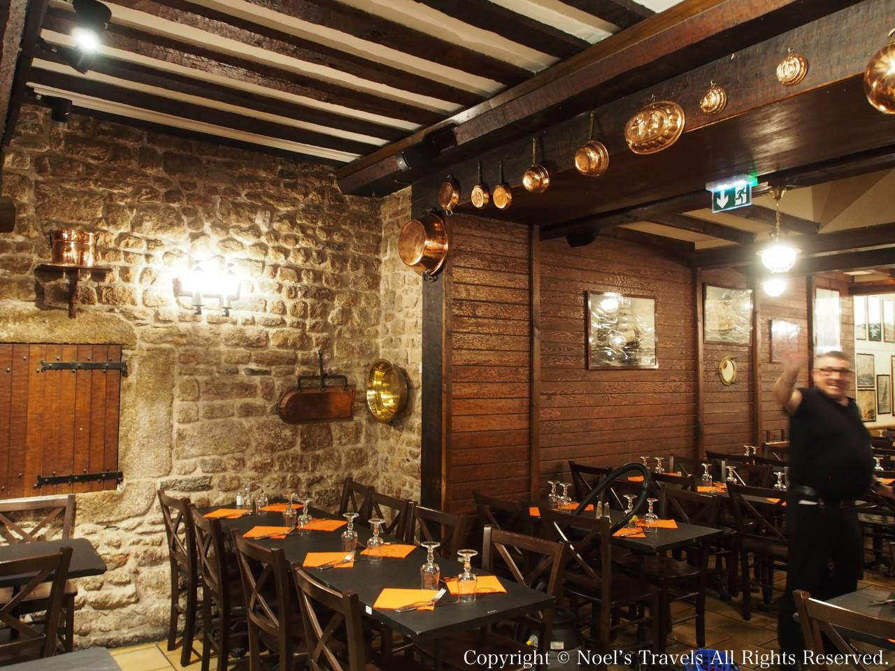 モンサンミッシェルでオムレツを食べたレストラン「ラ・コンフィアンス」