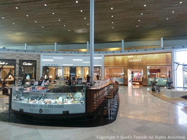シャルル・ド・ゴール空港のキャビア&シーフードレストラン「プルニエ」」