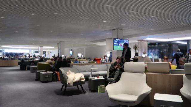 パリ・シャルル・ド・ゴール空港のエールフランス・ラウンジ