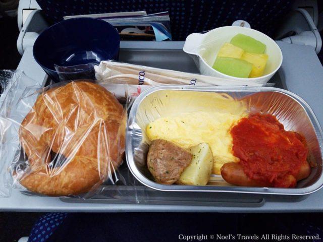 アエロメヒコ航空の機内食(朝食)