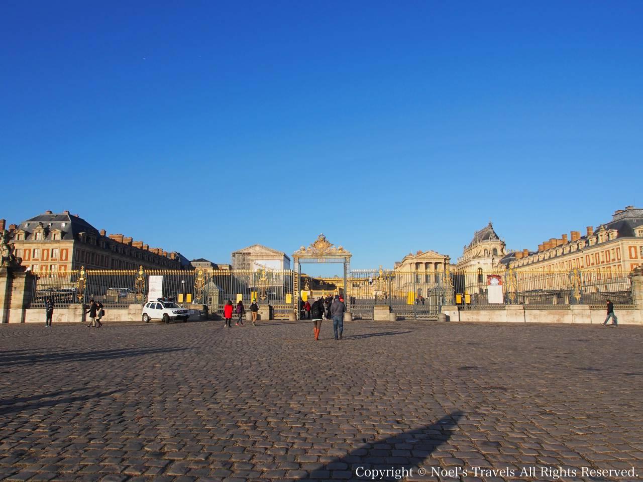 ヴェルサイユ宮殿のエントランス