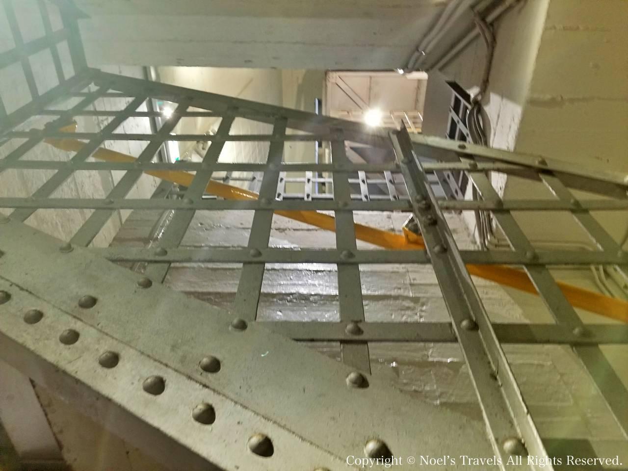 パイロン展望台の内部