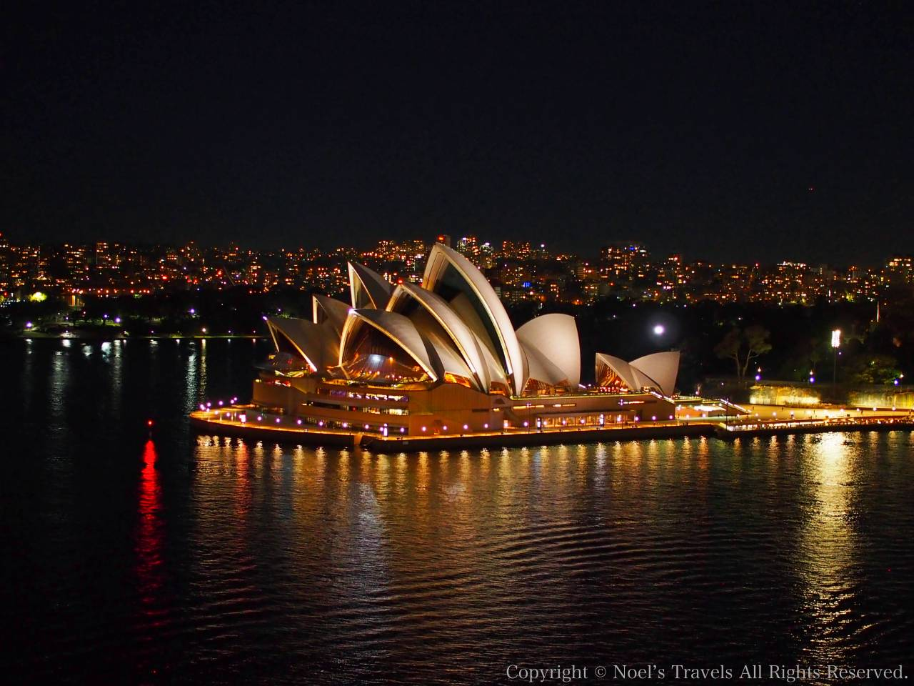 シドニーオペラハウスの夜景