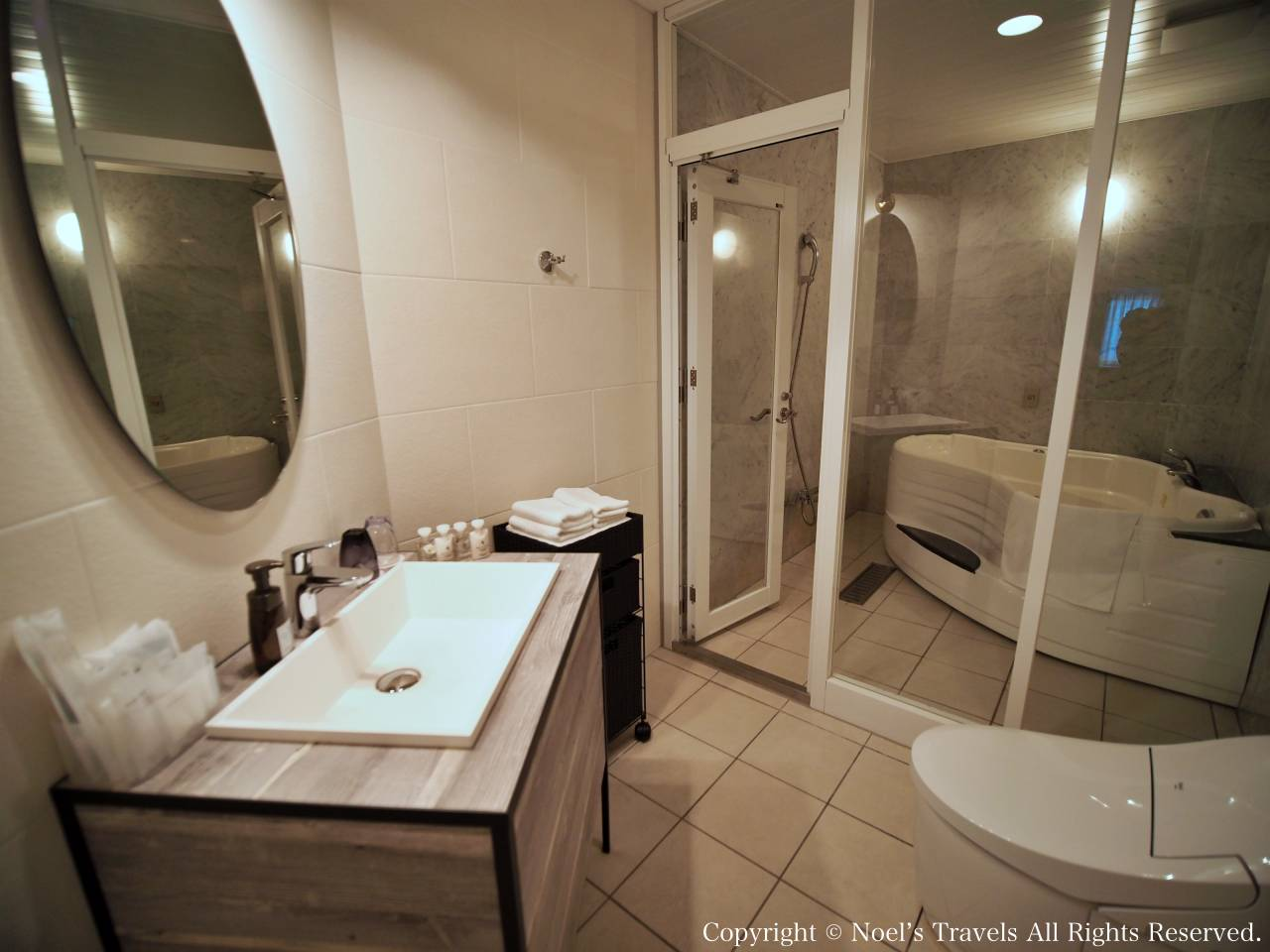 ヴィラ・サントリーニのバスルーム